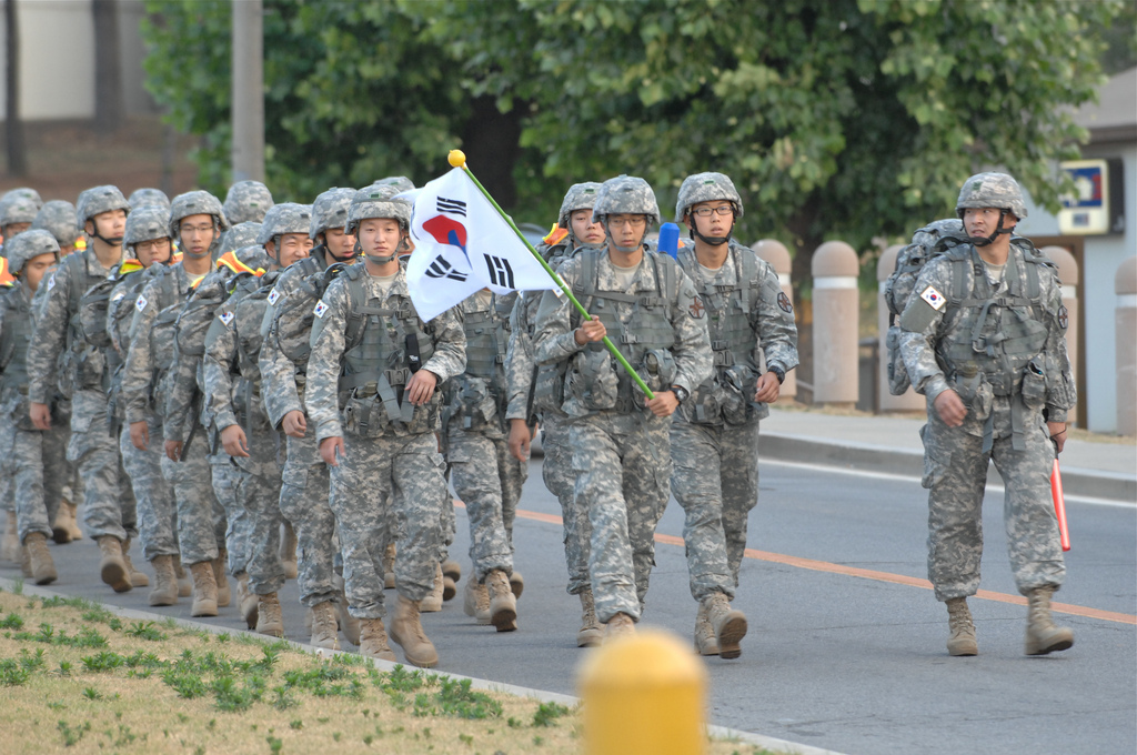 Coreia do Sul esta usando aplicativos para 'caçar' soldados gays