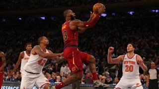 Lebron jame layup against the Knicks