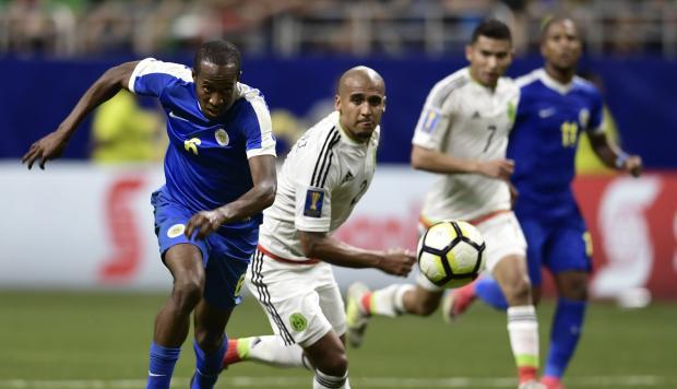 México derrotó 2-0 a Curazao en la Copa de Oro 2017 para pasar primeros del grupo C