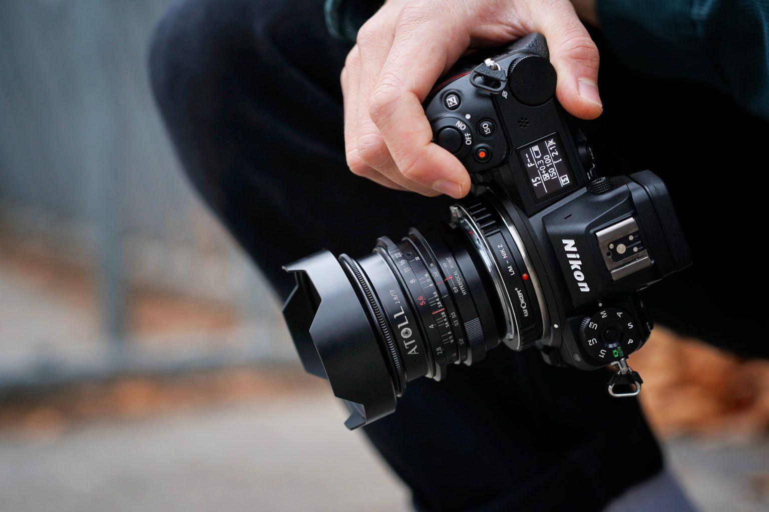 Объектив Atoll 17mm f/2.8 с камерой Sony