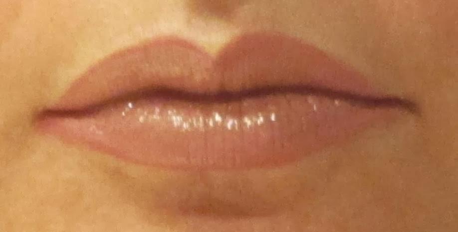 maquillaje labios color nude