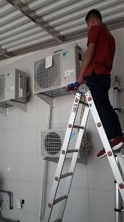 Pemasangan AC bagian out door