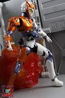 S.H. Figuarts Kamen Rider Valkyrie Rushing Cheetah 22