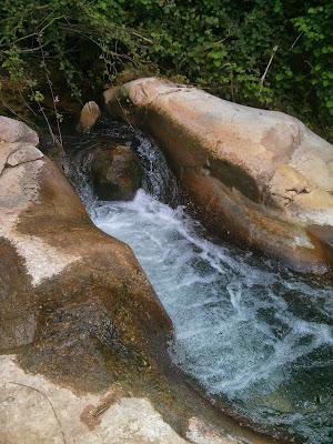 מים בנחל כזיב