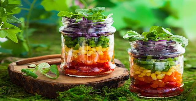 https://www.receitasnoface.com.br/2020/02/salada-no-pote-7-opcoes-gostosas.html