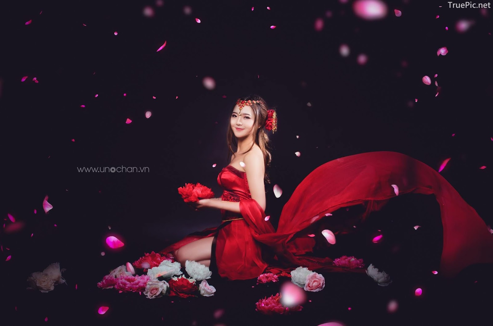 Vietnamese beautiful model Le Thu Huong - Cosplay mobile game character - Photo by Uno Chan - Picture 8