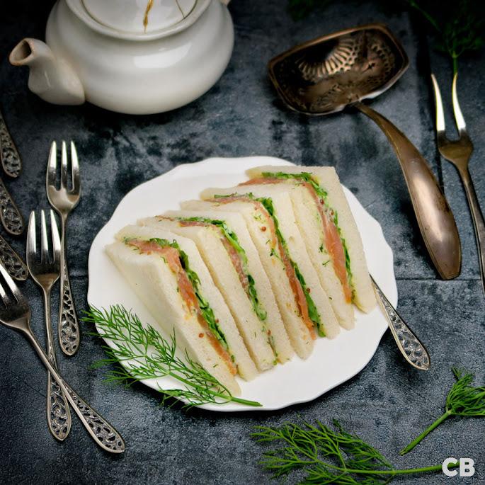 Recept: zo maak je zelf luxe high tea sandwiches met gerookte zalm en honing-mosterd-dillesaus