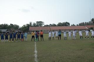 Wakil Bupati Komandoi Pertandingan Sepak Bola