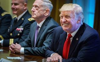 """Trump promete cortar el """"tonto"""" financiamiento de EE.UU. a Pakistán"""