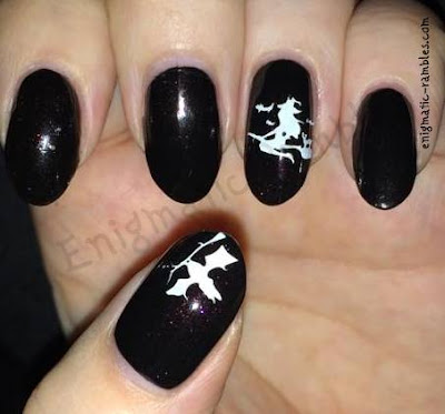 flying-witch-witches-halloween-nails-nail-art