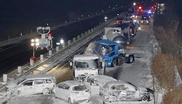 Nevadas causan accidente de tránsito en Japón