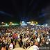 Segunda noite do Festival do Açaí teve desfile e cantor Gabriel Lenner em show bem animado