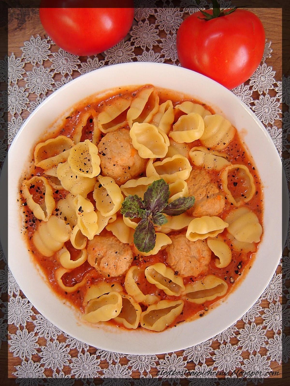 Zupa pomidorowa z pulpecikami