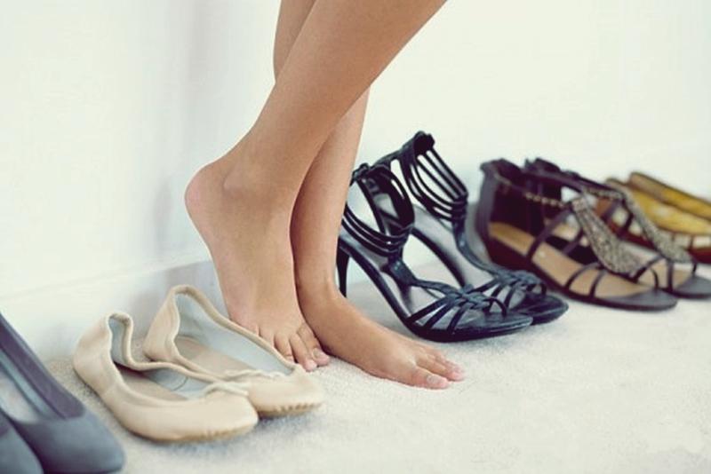 Doğru topuk boyunu seçin ayaklarınızı modaya kurban vermeyin!