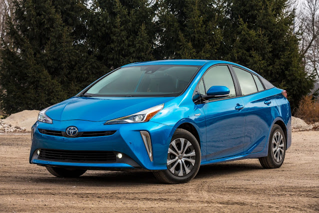 2020 Toyota Prius Review
