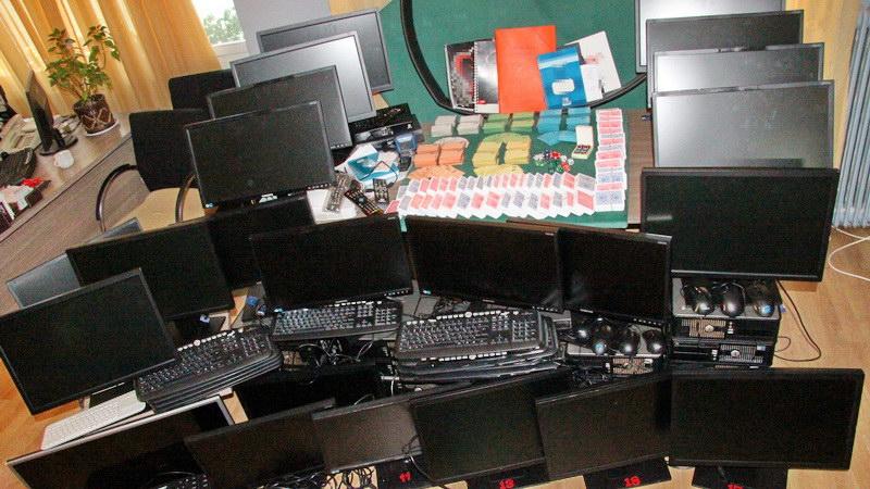Αλεξανδρούπολη: Εξαρθρώθηκε σπείρα που είχε μετατρέψει ίντερνετ καφέ σε χώρο παράνομων τυχερών παιχνιδιών