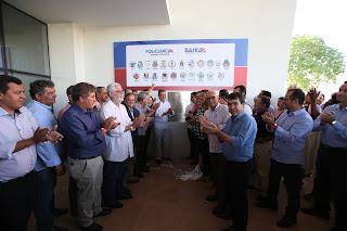 Governador entrega policlínica e anuncia recuperação da BA-263