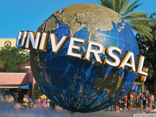 Take Your Holidays to the Next Level at Universal Studios!