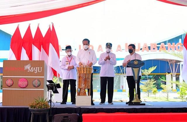 Tumbuhkan Ekonomi, Jokowi Resmikan Bandara Kuabang  Berbiaya Rp50,82 Miliar