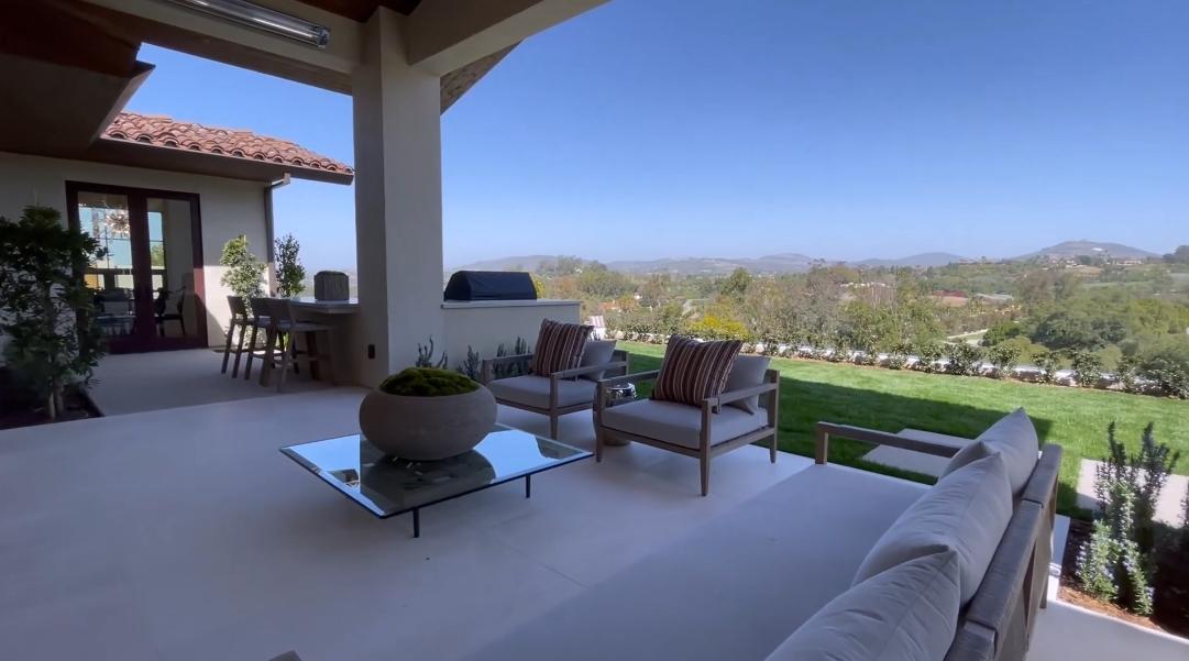 37 Interior Design Photos vs. 18080 Via De Fortuna, Rancho Santa Fe, CA Luxury Home Tour