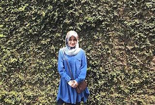 Dini Hanipah Pakai Hijab