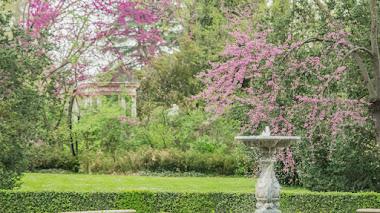 El jardín de El Capricho en Madrid, último destino de Jardines con Historia