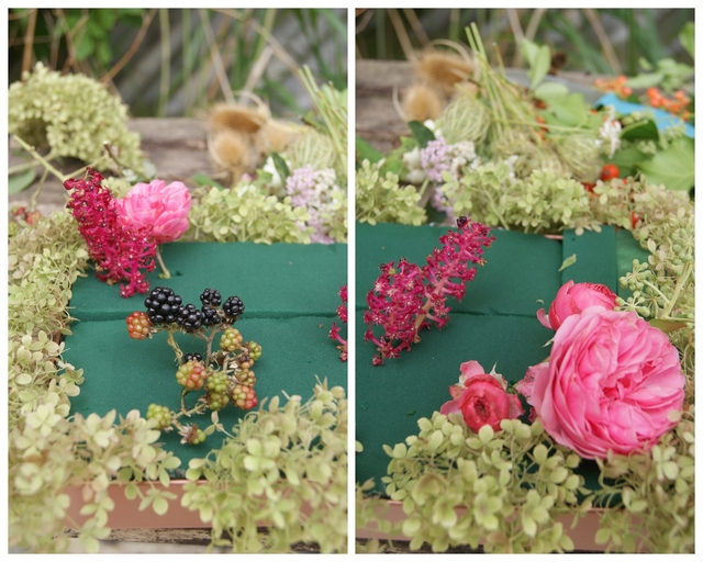 Herbstgesteck Blumensteckmasse mit Hortensien Brombeeren Rosen bestecken