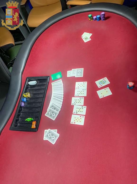 Ferrara: circolo privato come sala da gioco d'azzardo