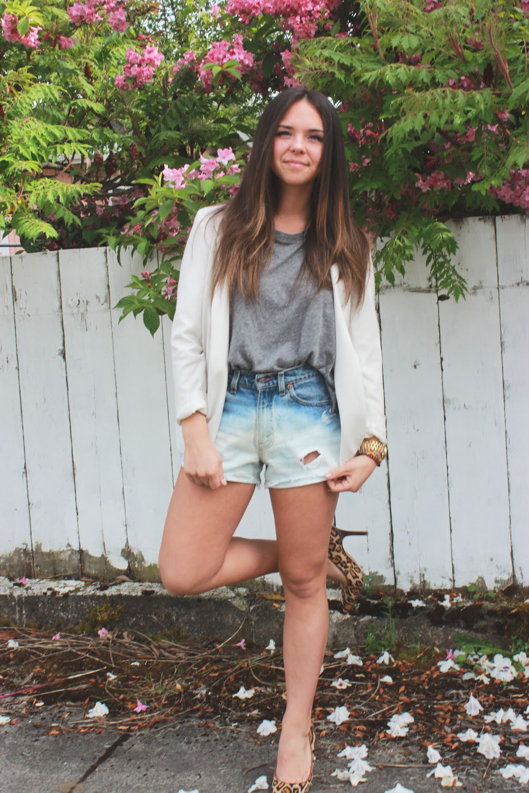 what we love: Dip Bleach Shorts DIY