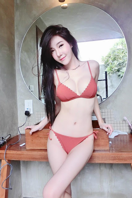Hot and sexy photos of beautiful busty asian hottie chick Thai model babe Sutassa Suthumjindakun photo highlights on Pinays Finest Sexy Nude Photo Collection site.