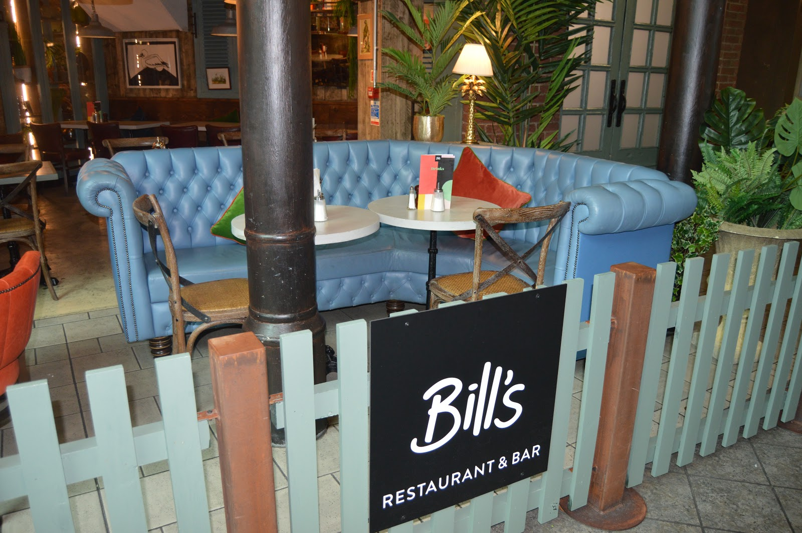 Outside Bills Restaurant