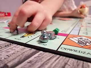gry planszowe na stole