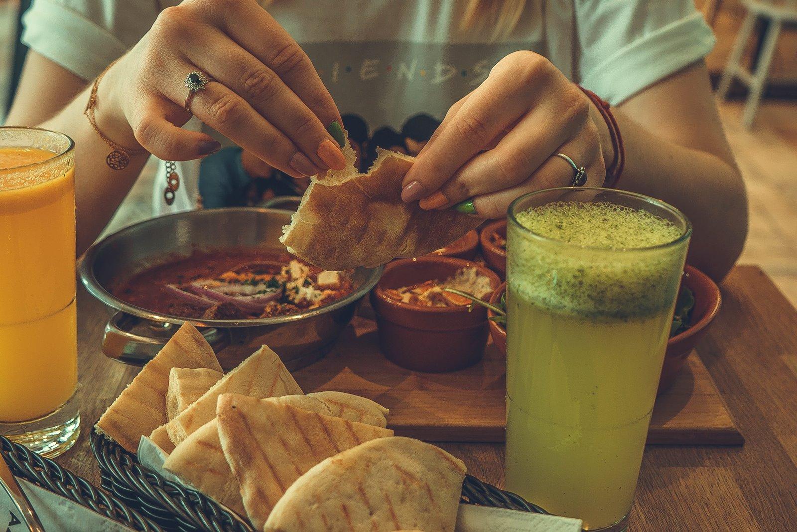 1 telaviv urban foods co zjeść w łodzi śniadania w warszawie bezmięsna kuchnia izraelska smaki izraela gdzie zjeść dobry hummus fallafell