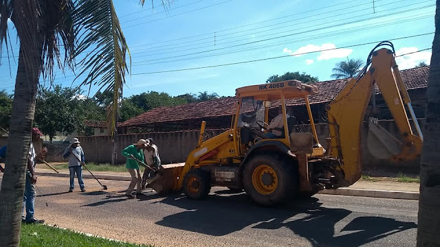 GRUPIARA: Prefeitura realiza operação tapa buracos