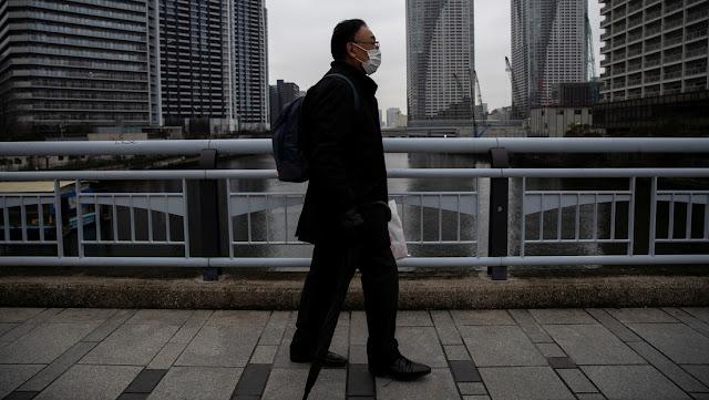 """""""Voy a propagar el virus"""": un hombre con covid-19 ignora la cuarentena y visita dos bares en Japón"""