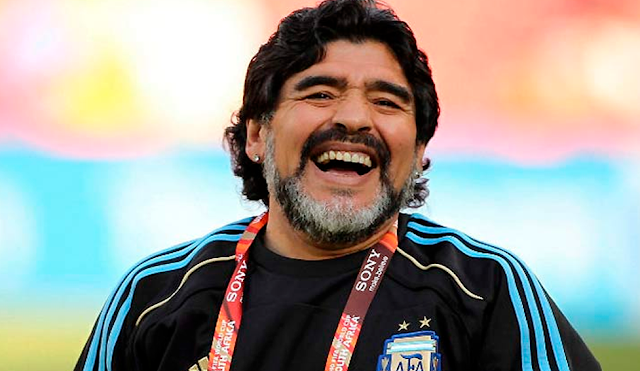 "Morre ""Dom"" Diego Maradona"