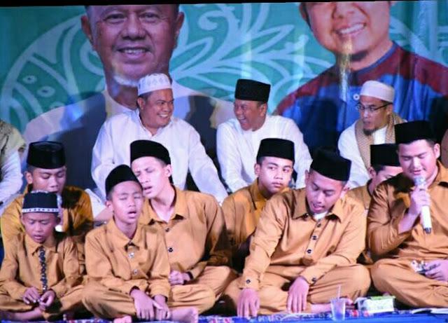 Viral Petang (16/03/2020) Bandar Lampung -- Rektor Institut Informatika dan Bisnis (IIB) Darmajaya, Dr. (Can) Ir. Hi. Firmansyah Alfian, M.B.A., M.Sc., mengajak semua pihak untuk bermuhasabah diri terkait wabah virus Corona atau Covid-19 yang menimbulkan keresahan di masyarakat Indonesia dan dunia saat ini.