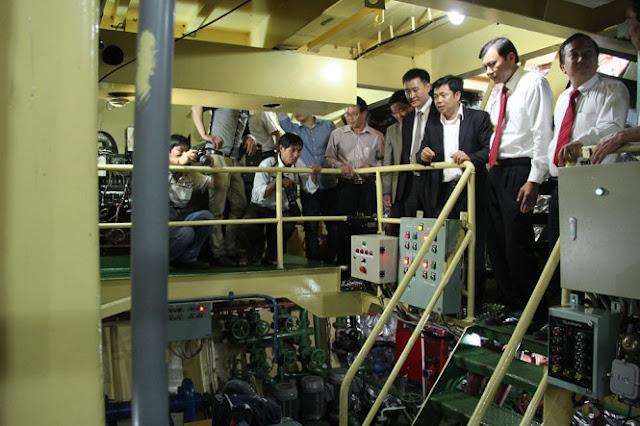 Máy móc trên tàu mới 100% và được nhập nguyên từ Mỹ về