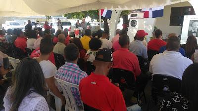 Ministerio de Educación celebra con acto colorido el Día del Amor y la Amistad