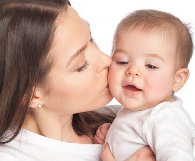 Hindari Cium Si Kecil Karena Dapat sebabkan Meningitis