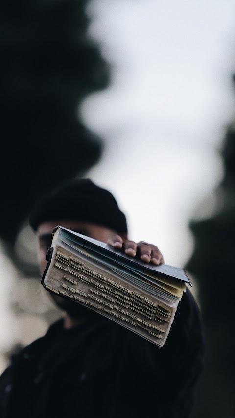 Quyển Sách Cũ