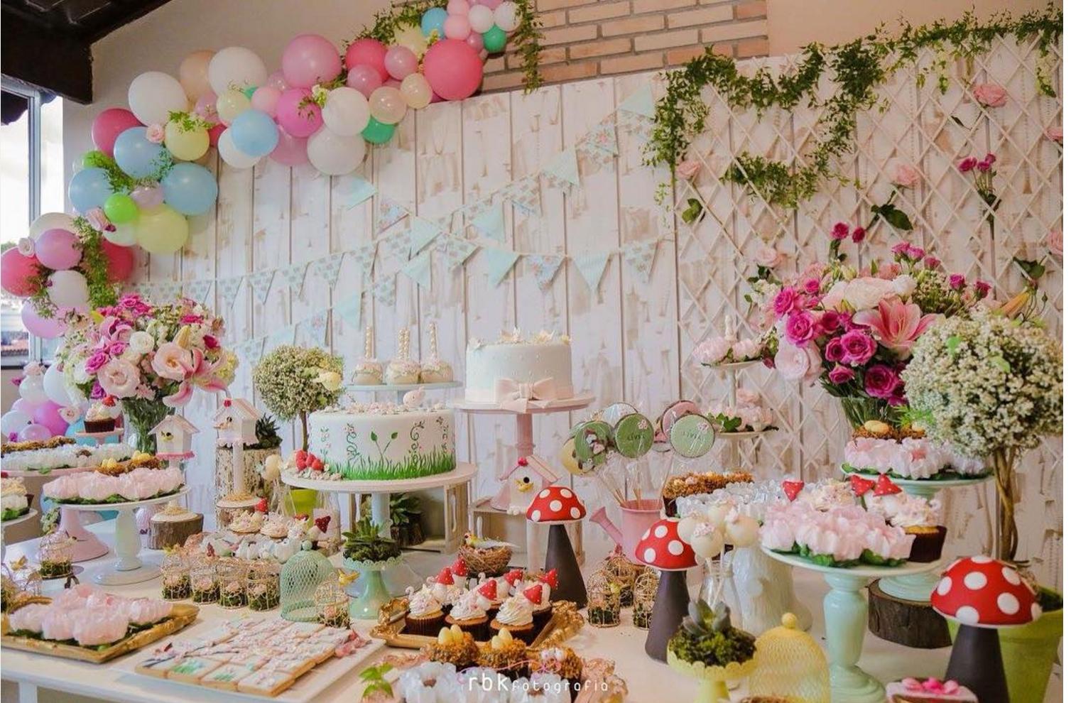 101 fiestas linda fiesta con el tema jard n for Arreglos para jardin