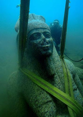 A colossal statue of red granite (5.4 m) representing the god Hapi, the god of the Nile, which decorated the temple of Heracleion