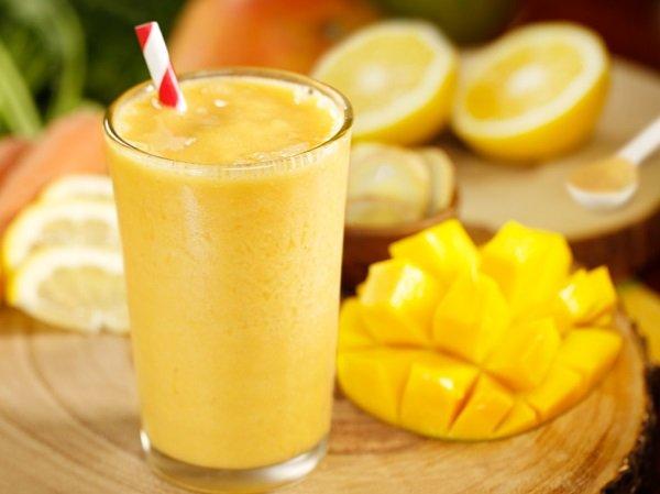 Method of action smoothie Mango with orange