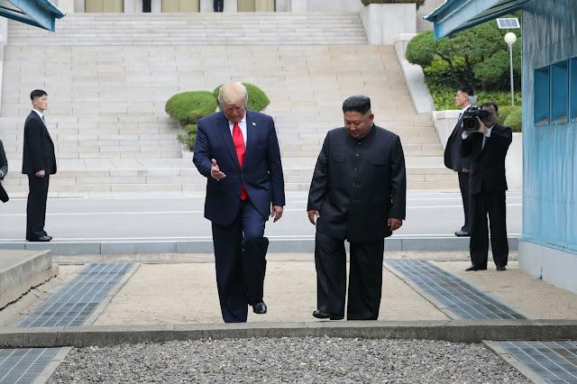 Kuzey Kore'ye İlk Ziyaret: Trump ve Kim