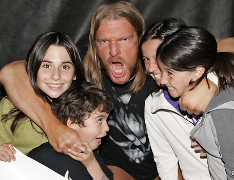 Wwe Wrestlers Profile: WWE Star Triple H With Family Photo ...
