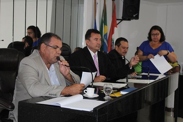 Vereadores de Delmiro Gouveia, apreciam Projetos de Leis que refletem em melhorias para a comunidade