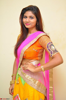 Lucky Sree in dasling Pink Saree and Orange Choli DSC 0376 1600x1063.JPG