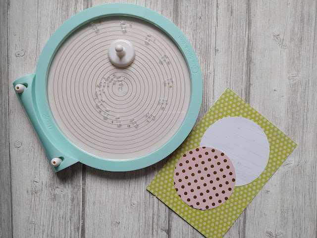 Cutter circulaire Spin and Trim de We R Memory Keepers