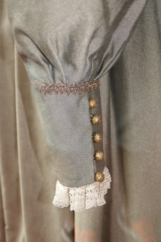 Mary Queen Scots Queen Elizabeth costume cuff